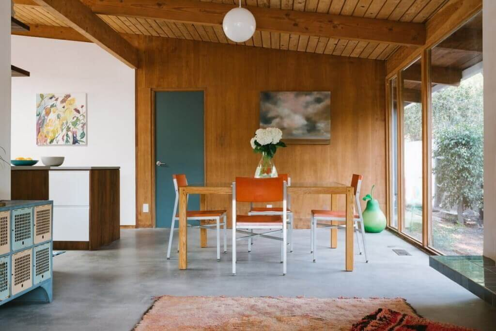 Get inspired by Midcentury Modern design / Source: Design./Visual / Photographed by Alison Bernier